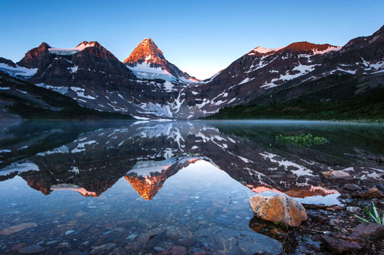 Morning-Reflection-Mountain-Nature-Photography
