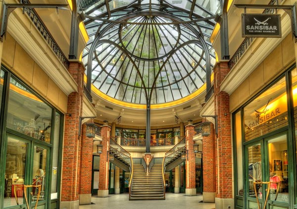 little-mall-HDR-photography
