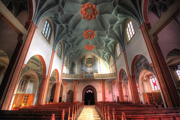 unusual-colorful-church-HDR-Images