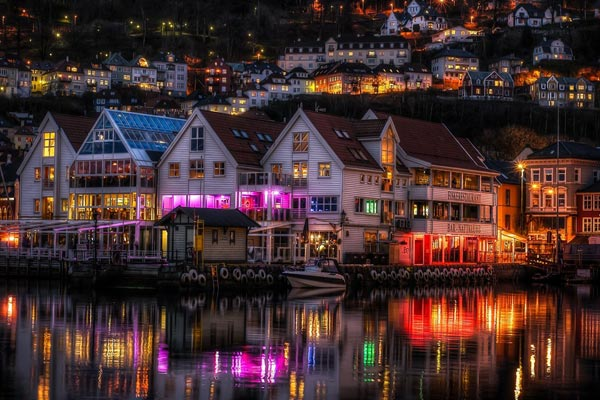 zachariasbryggen-bergen-norway-nigh-hdr-photography