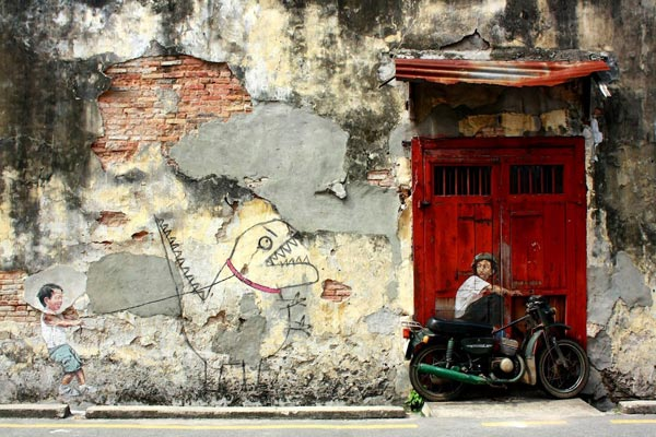 Street Art by Ernest Zacharevic in Penang Malaysia 1 30+ Awe Inspiring Graffiti Street Art Paintings From Around The World