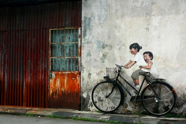 Street Art by Ernest Zacharevic in Penang Malaysia 2 30+ Awe Inspiring Graffiti Street Art Paintings From Around The World