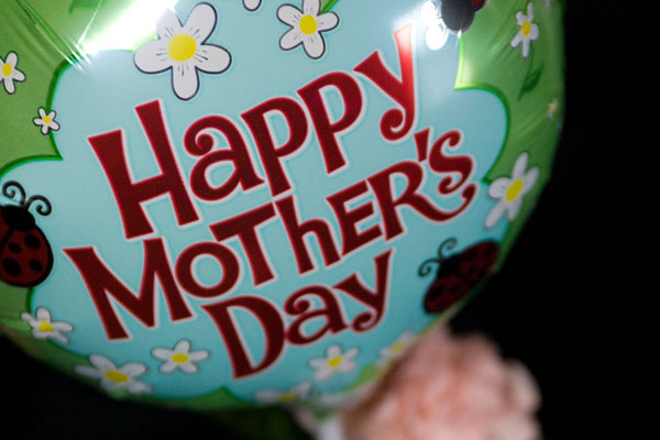Happy Mothers Day 2013 Pictures balloon Happy Mothers Day 2013 Pictures, Card Ideas, HD Wallpapers, Quotes & Facebook Covers