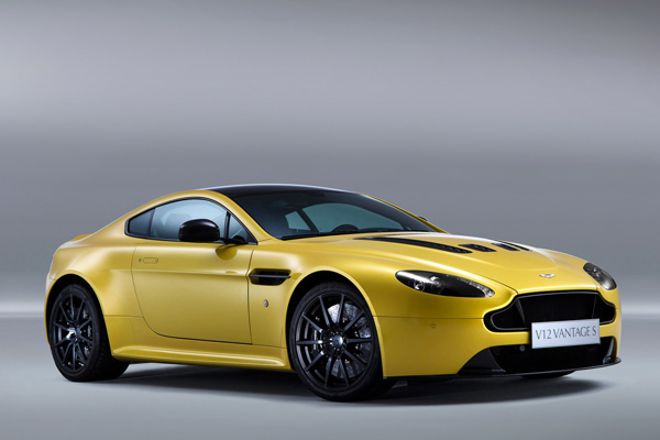 2013-aston-martin-v12-vantage-s_car_wallpaper