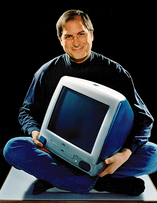 steve-jobs-with-imac-g3-blue