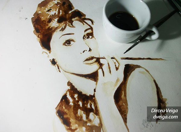 audrey-hepburn-painting-coffee-art