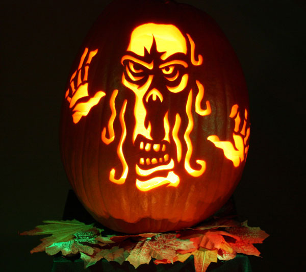 Horror-halloween-pumpkin-carving