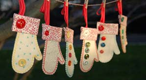 20-Simple-Yet-Cute-Handmade-Christmas-Ornaments-2013