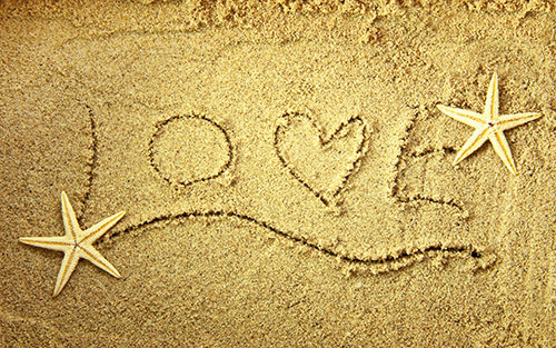Love-on-sand-Image-for-valentine's-day-2014