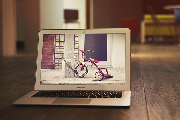 MacBook-Air-MockUp-PSD