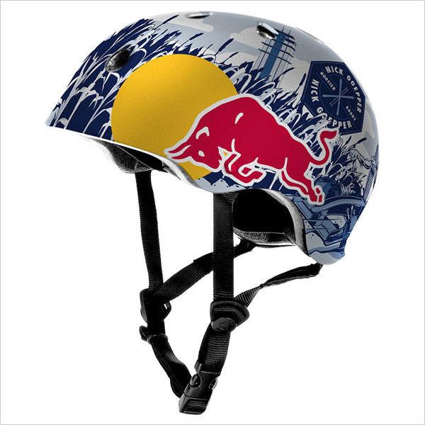 Red-bull-skier-helmet