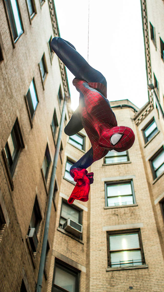 The-Amazing-Spider-Man-2-Climbing-iPhone-Wallpaper