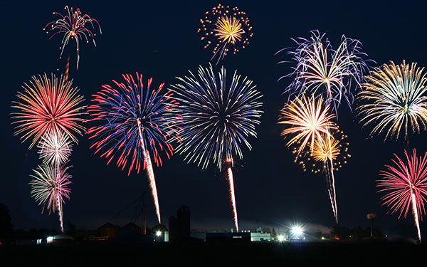 Fireworks 2015 Images بوستات بمناسبه راس السنه 2015  منشورات facebook بمناسبة راس السنة 2016