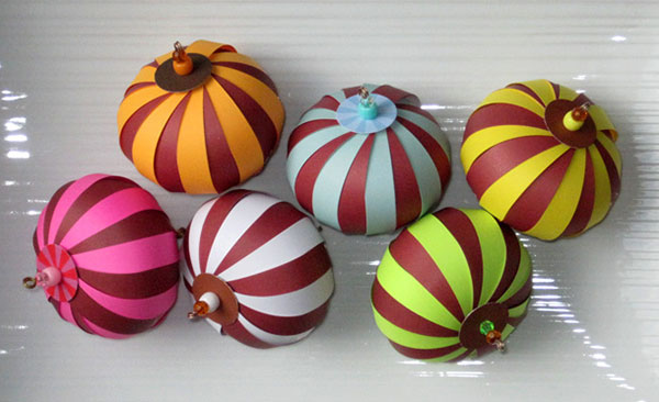 Christmas-Balls-Paper-Ornaments