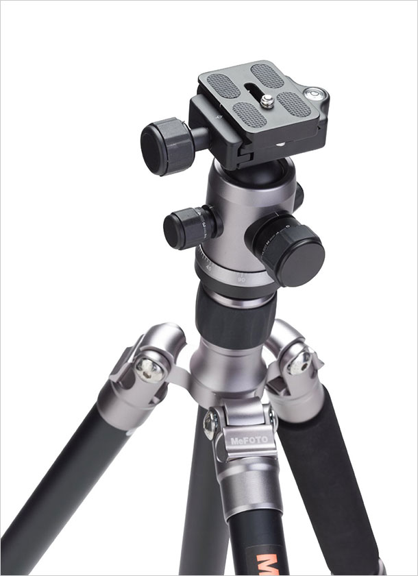 MeFoto-A1350Q1T-Roadtrip-Travel-Tripod-Kit-Titanium-3