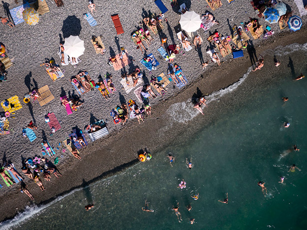 Russian-tourists-basking-on-the-beach-in-Abkhazia