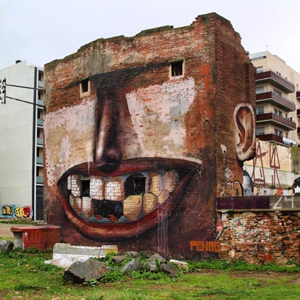 Artwork-by-Penao-in-Poblenou,-Spain
