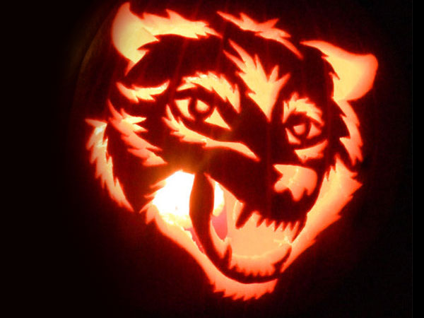 Wolf-Face-Pumpkin-Carving-Ideas