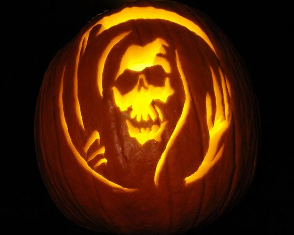 Death-Queen-Scary-Skull-Pumpkin-carving-ideas-2015