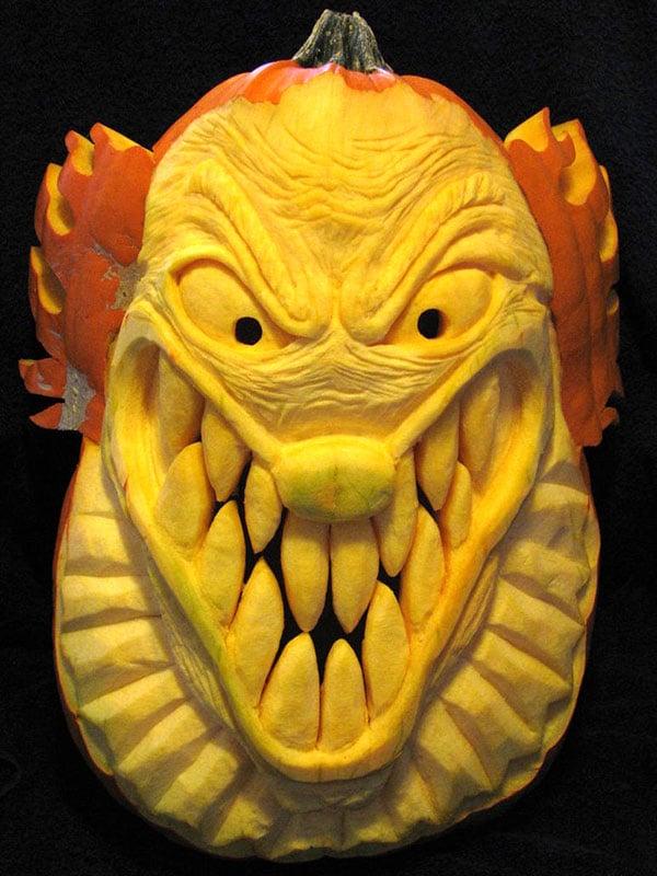 Insane-Clown-Pumpkin-Carving-Sculpture-2015
