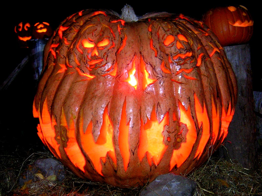 Monster-Pumpkin-Carving-Idea