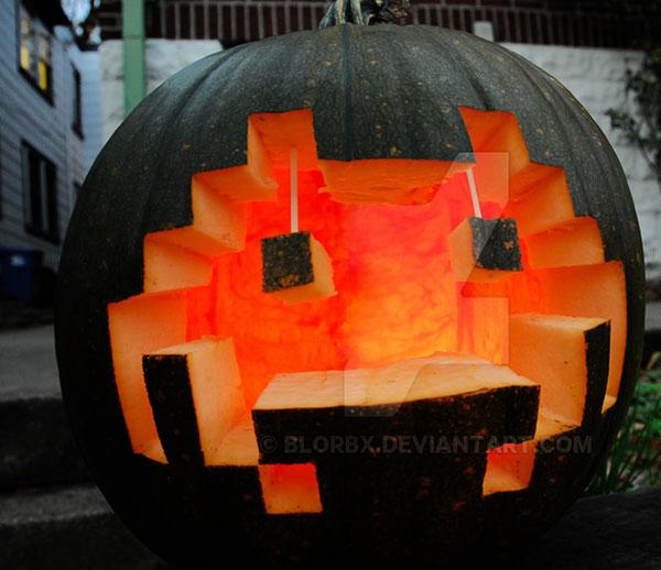 Space-Invader-Pumpkin-Carving
