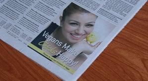 Free-Newspaper-Ad-Mockup-PSD-2