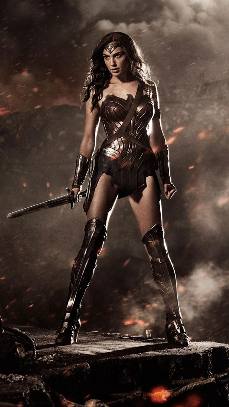 Gal Gadot As Wonder Woman In Batman V Superman Hd Wallpapers