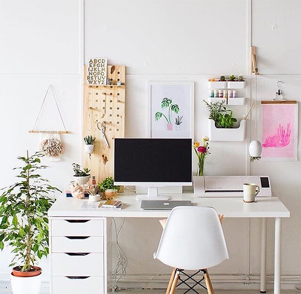 Graphic Design Inspiration: 10 Well Managed Creative Workspaces For Graphic Designers