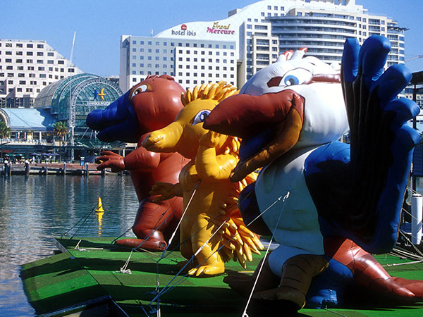 2000-Sydney-Olympic-Mascots,-Olly-the-kookaburra,-Syd-the-platypus-and-Millie-the-echidna-2