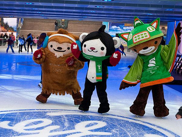 2010-Vancouver-Olympic-Mascots,-Miga-and-Quatchi-2