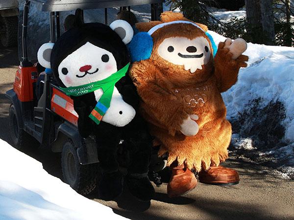 2010-Vancouver-Olympic-Mascots,-Miga-and-Quatchi-3