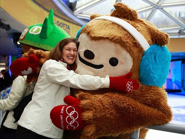 2010-Vancouver-Olympic-Mascots,-Miga-and-Quatchi