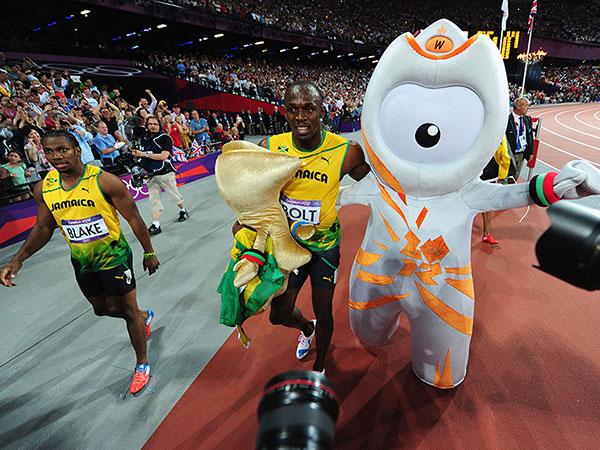 2012-London-Olympic-Mascot-Wenlock-with-Usain-Bolt