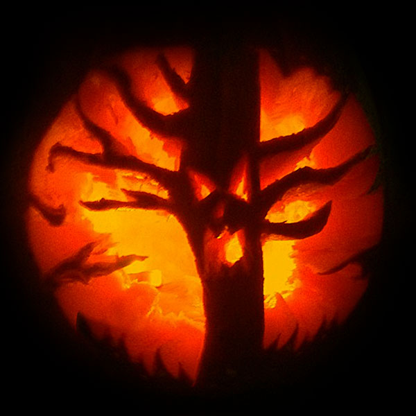 Scary Halloween Tree 2016