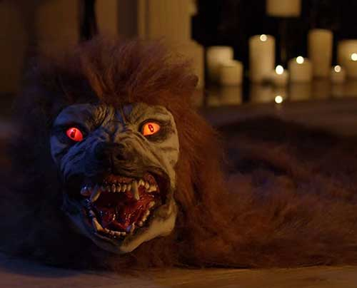Animated-Lifelike-Werewolf-Rug-for-Halloween-Indoor-Decoration-2