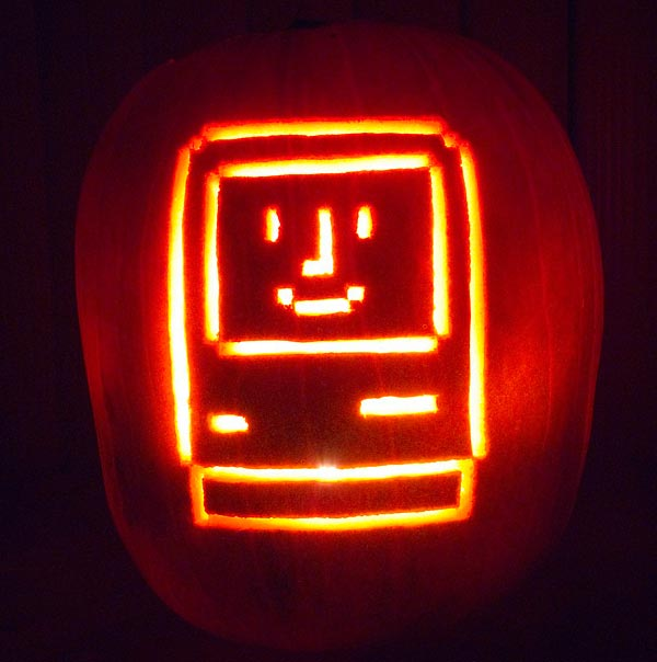Apple-Mac-Pumpkin-Smiling