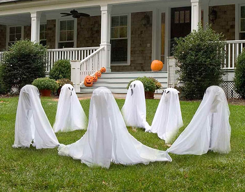 Ghostly-Group-Lawn-Decor