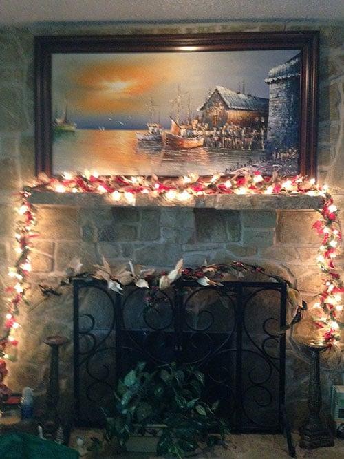 prelit-christmas-burlap-garland