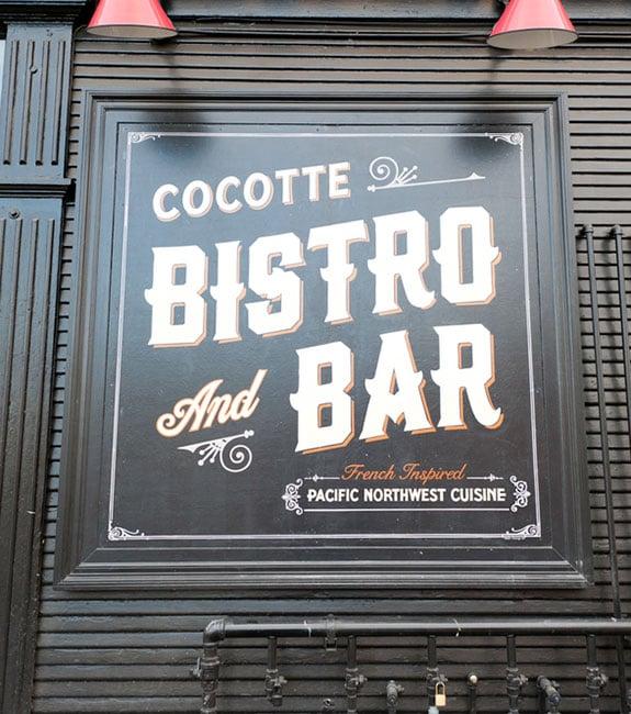 bistro-exterior-sign-design