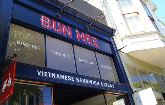 vietnamese-sandwich-eatery-simple-window-lettering