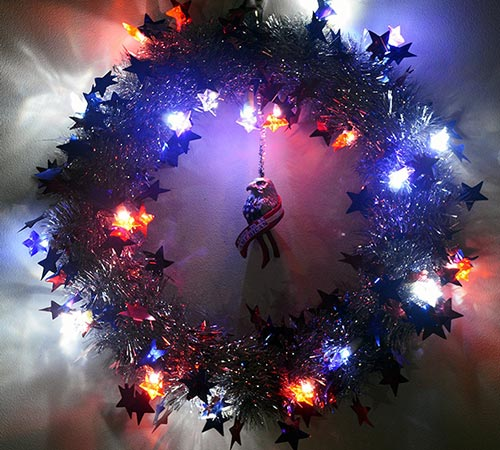 4th-of-July-Wreath-With-Lights