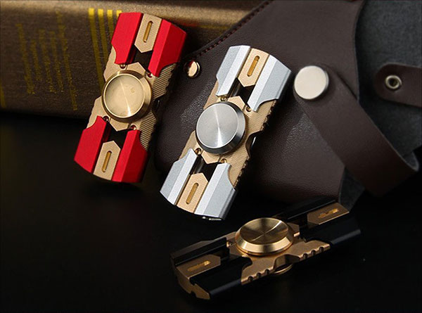 FREELOVE-Preruim-Fidget-Spinner,-Bom-Kaiser-Crusade-Retro-2-Leaf-Design