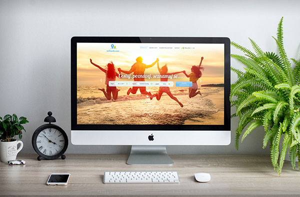 Free-Apple-iMac-Mockup-PSD-27-inches-LCD