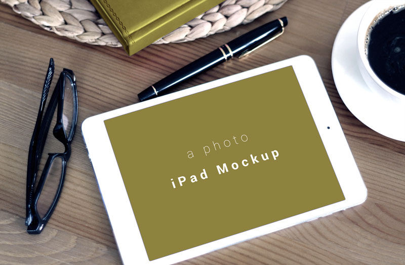 Free-Horizontal-iPad-Photo-Mockup-PSD-file