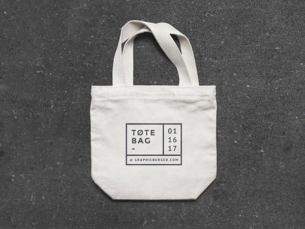 Free-Small-Canvas-Tote-Bag-Mockup-PSD