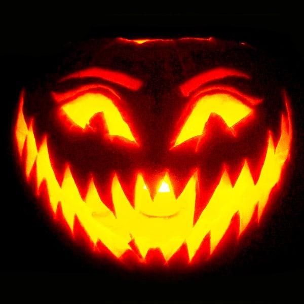 Scary Halloween Pumpkin Carving Ideas 2017 by Designbolts (14)