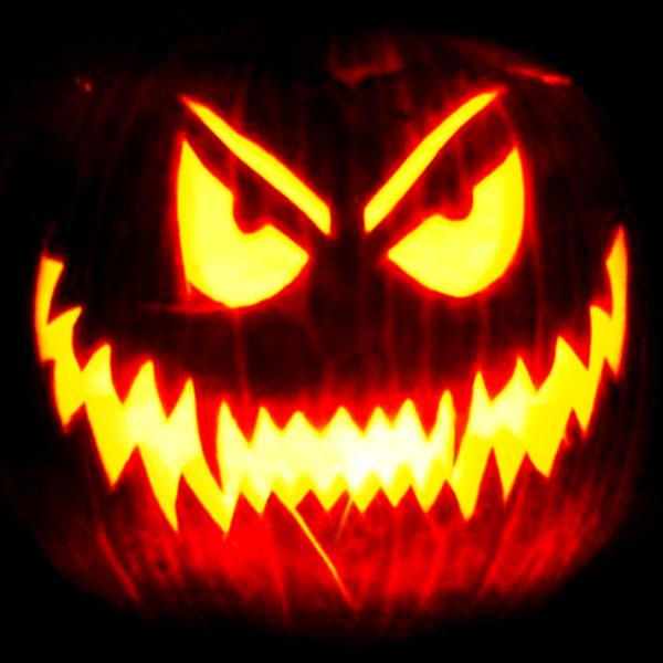 Scary Halloween Pumpkin Carving Ideas 2017 by Designbolts (18)