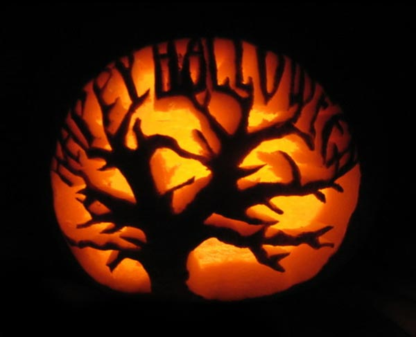 Happy-Halloween-Scary-Tree-Pumpkin-Carving