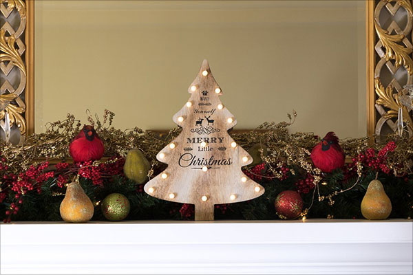 Wooden-Christmas-Tree-Decoration-with-LED-Lighting